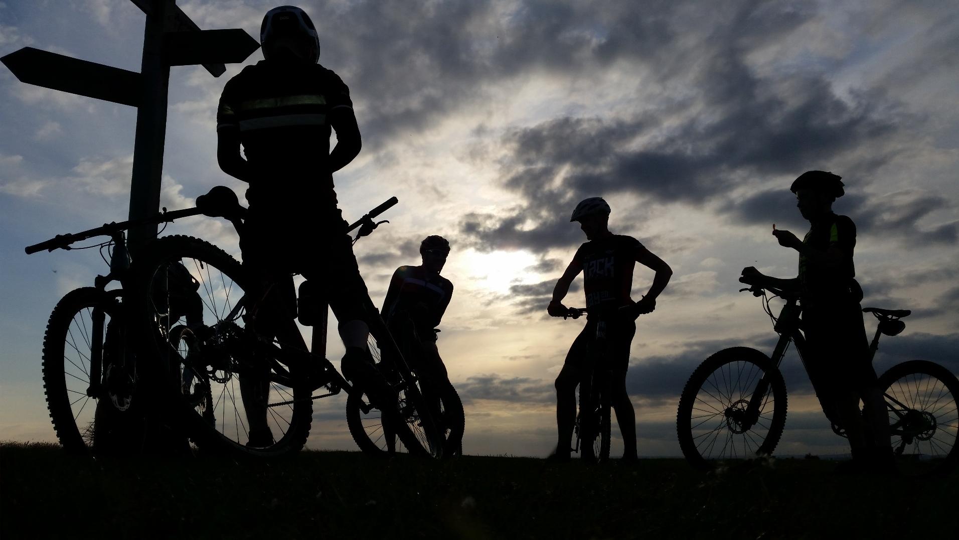 Mountainbiking at Sunset